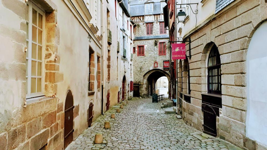 Kleine Gasse bei der Cathédrale Saint-Pierre de Rennes