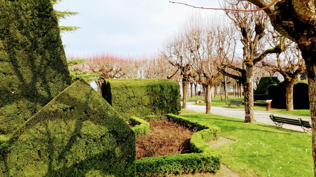 Schlossgarten in Pons