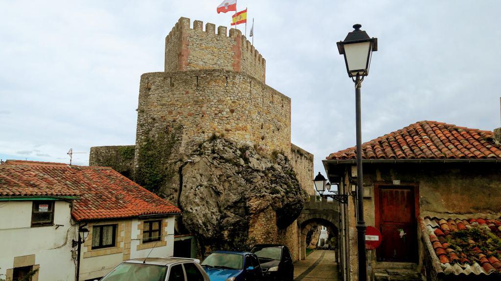 Burg San Vicente de la Barquera