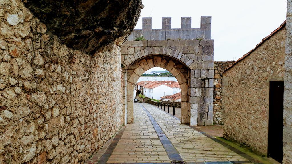 Stadtmauer San Vicente de la Barquera