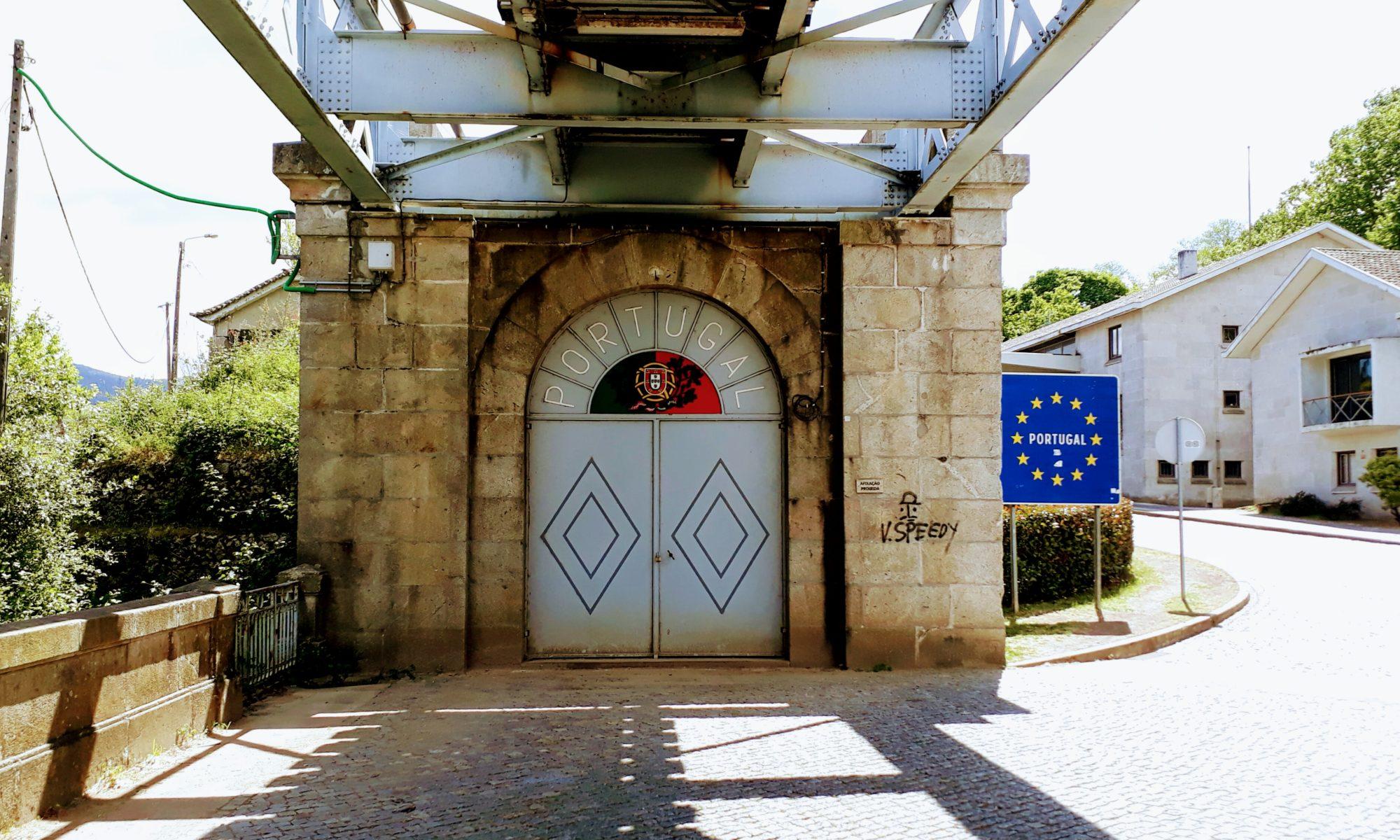 Portugiesische Seite der Ponte Internacional Valença-Tui