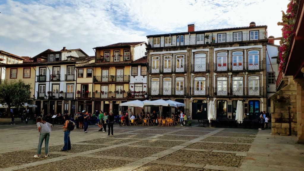 Largo da Oliveira in Guimarães