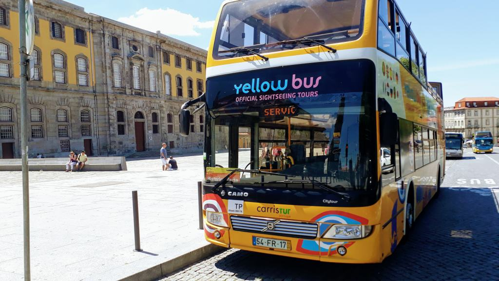 Yellow Bus Porto