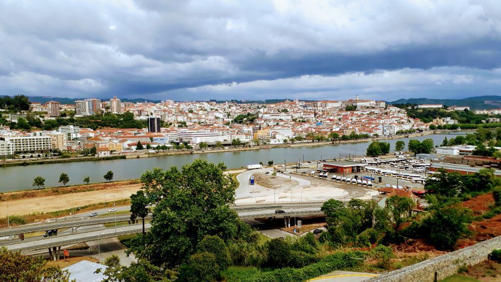 Blick vom Fórum Coimbra auf Coimbra