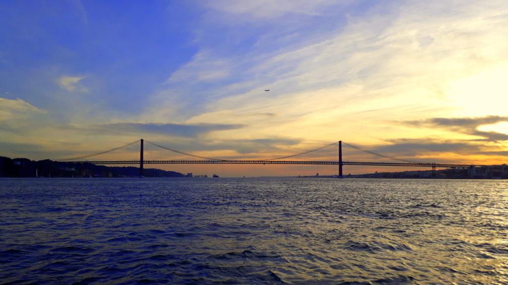 Ponte 25 de Abril bei Sonnenuntergang