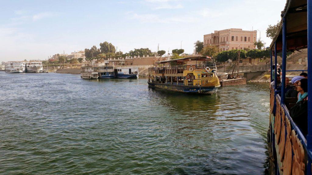 Nationalfähre auf dem Nil