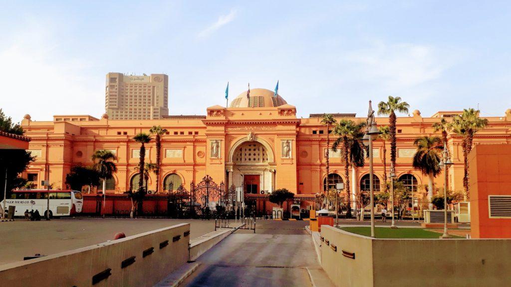 Das Ägyptische Museum in Kairo, das weltweit größte Museum für altägyptische Kunst