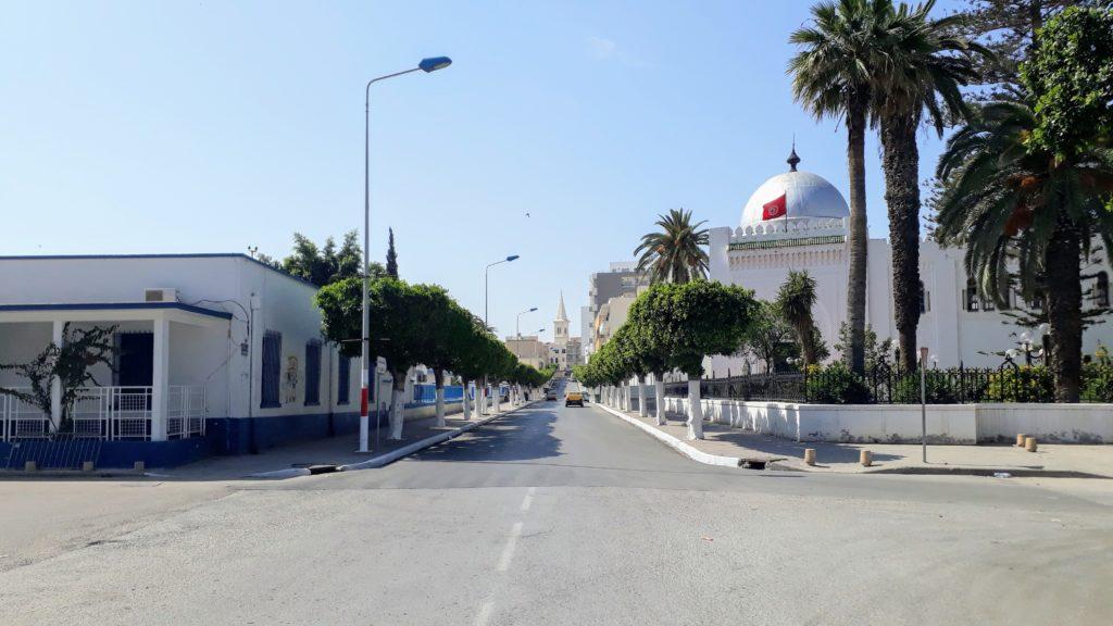 Straße beim Bahnhof von Sousse