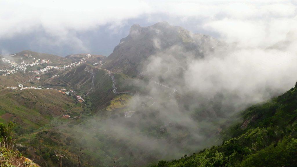 Hier kann's schon mal neblig werden: Anaga-Gebirge auf Teneriffa