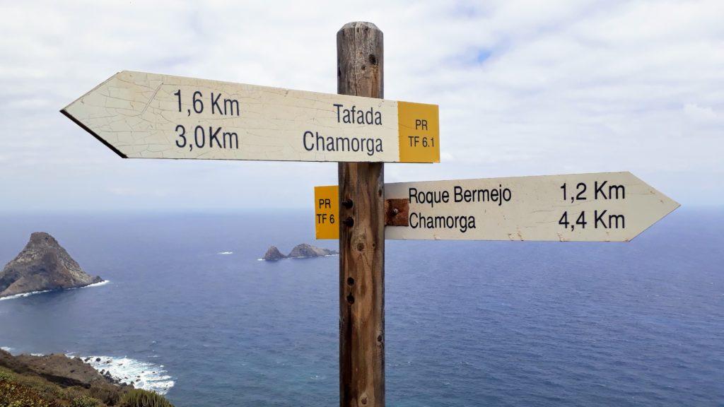 Wegweiser auf der Route von Chamorga zum Faro de Anaga