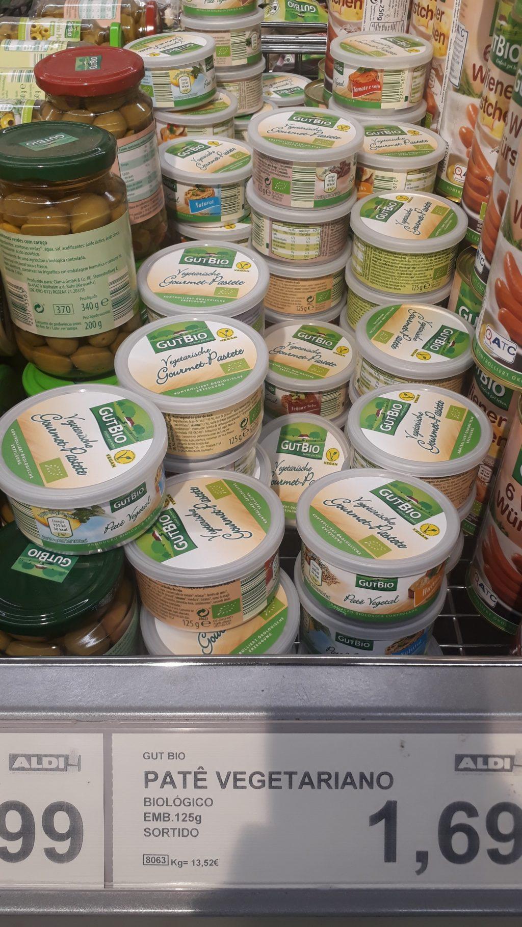 Vegane Brotauftriche in der Dose, verschiedene Sorten