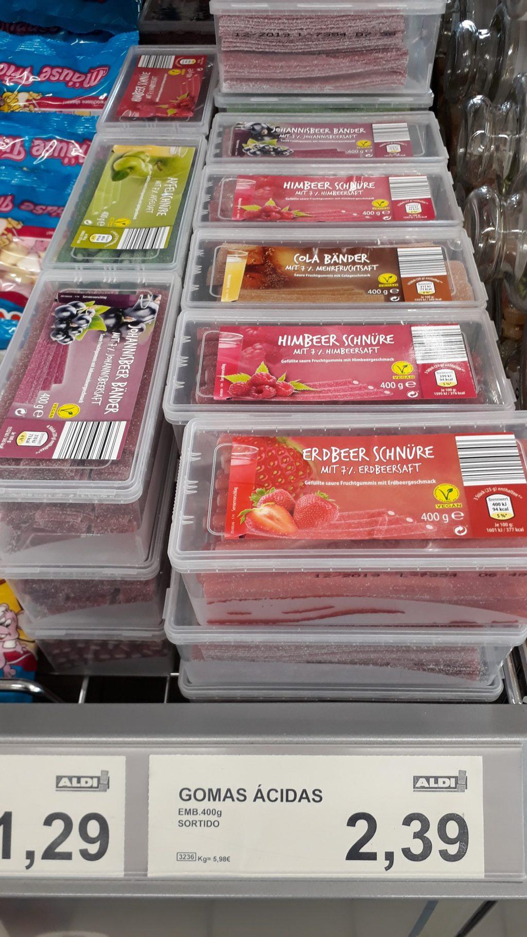 Saure Schnüre in den Sorten Erdbeer, Himbeer und Apfel und saure Bänder in den Sorten Johannisbeer und Cola
