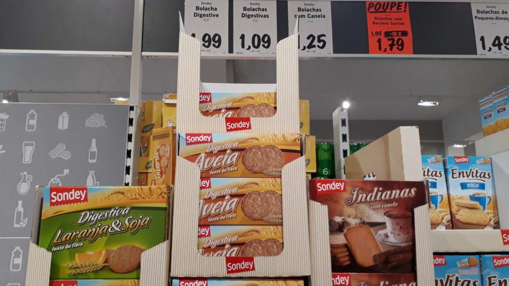 Vegane Kekse mit Soja & Orange, Hafer oder Zimt (die ganz rechts sind nicht vegan)