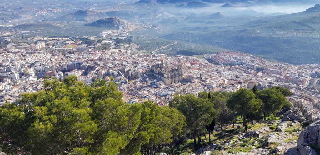 Blick auf die Kathedrale von Jaén vom Castillo de Santa Catalina