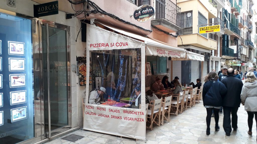 Die Pizzeria Sa Cova in Palma de Mallorca hat vegane Optionen