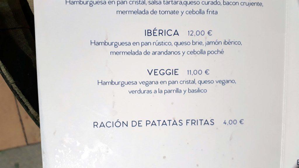 Veganer Burger in d'Carmen GastroBar in Sant Elm, Mallorca