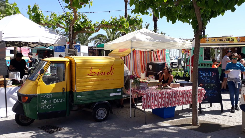 Vegane Optionen beim Streetfood-Festival in Port d'Alcúdia, Mallorca