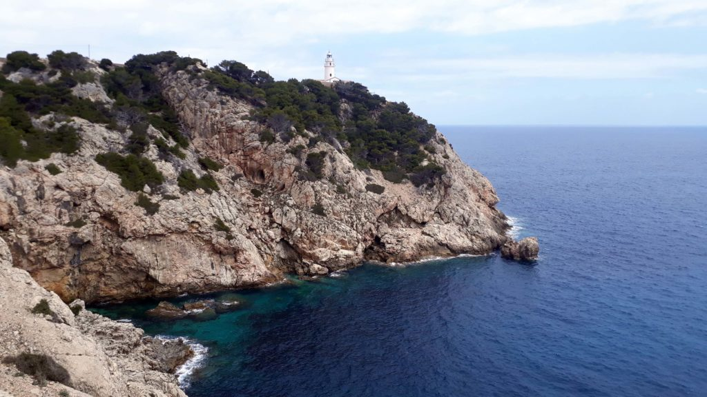 Ein Ziel auf der Wanderung: der Far de Capdepera bei Cala Ratjada