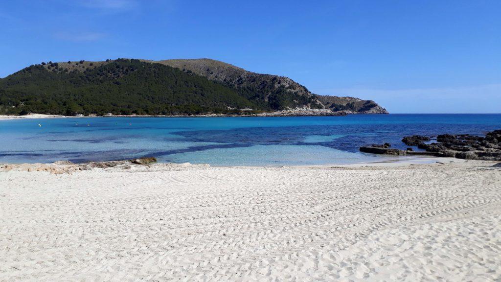 Die Wanderung führt auch zur Cala Agulla, noch ein echter Geheimtipp auf Mallorca!