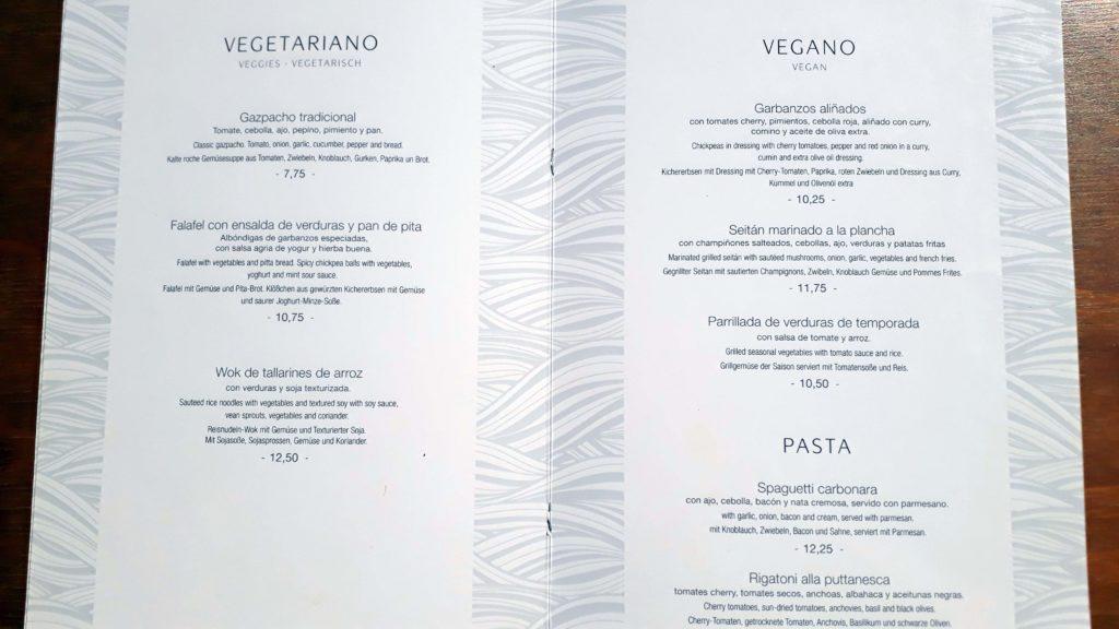 Vegetarische und vegane Karte bei Mirablau in der Cala Mesquida, Mallorca