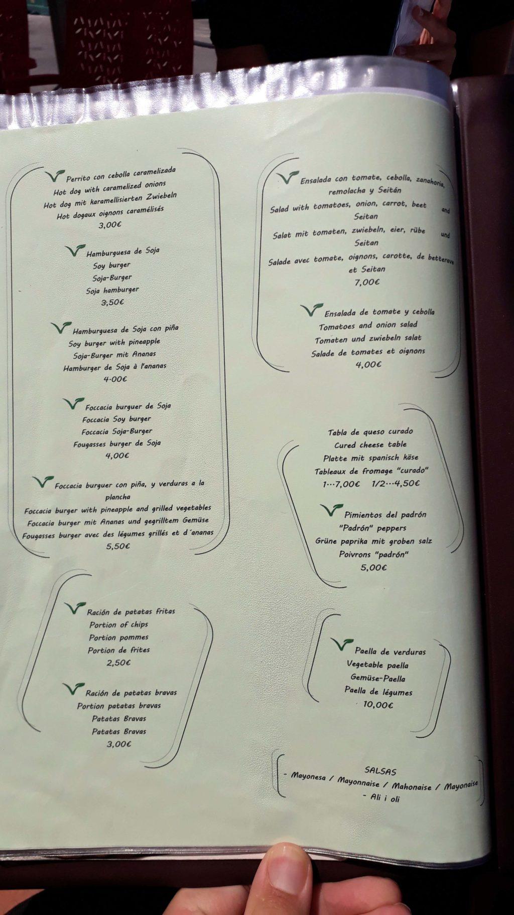 Vegane und vegetarische Karte im Güep Cafe in Port d'Alcúdia, Mallorca