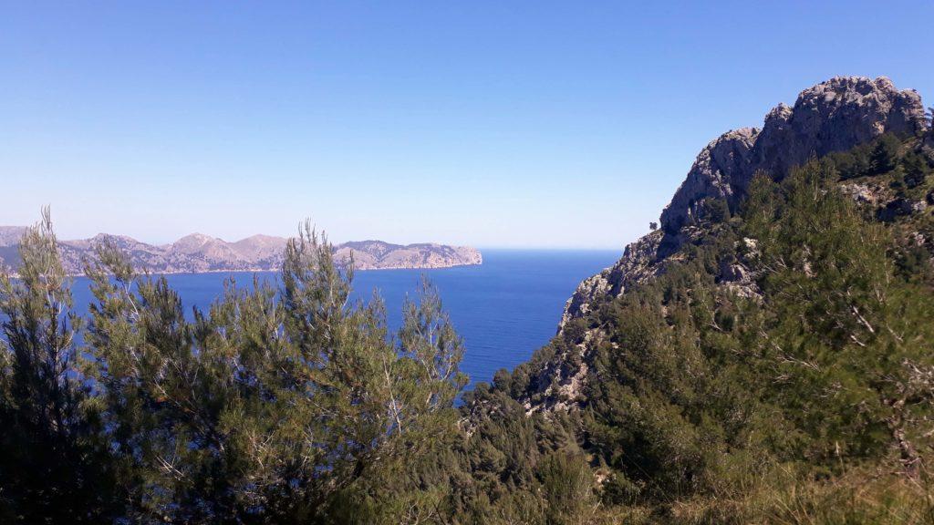 Blick auf das Cap Formentor vom Penya des Migdia auf Mallorca