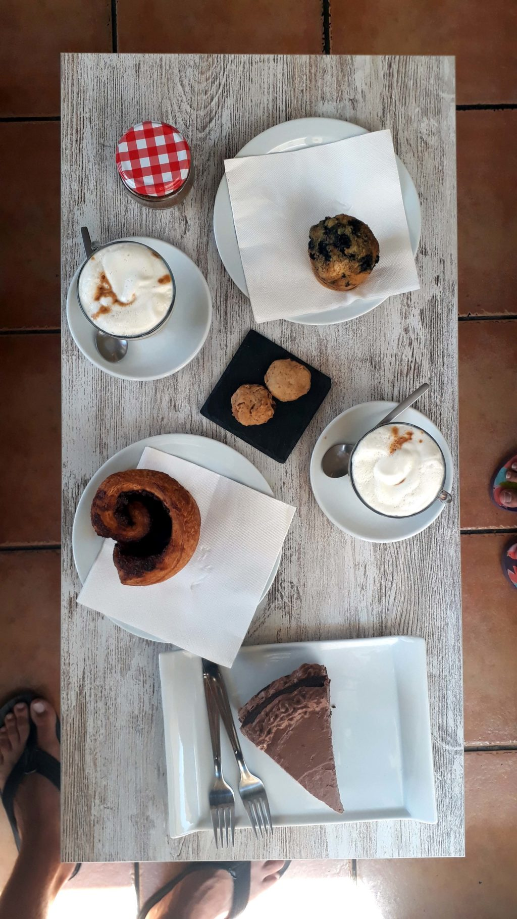Allerhand vegane Leckerein im Tablespoon Bakery Cafe in Inca, Mallorca