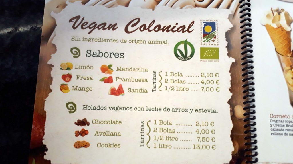 Vegane Karte bei Gelateria Colonial in Colònia de Sant Jordi, Mallorca