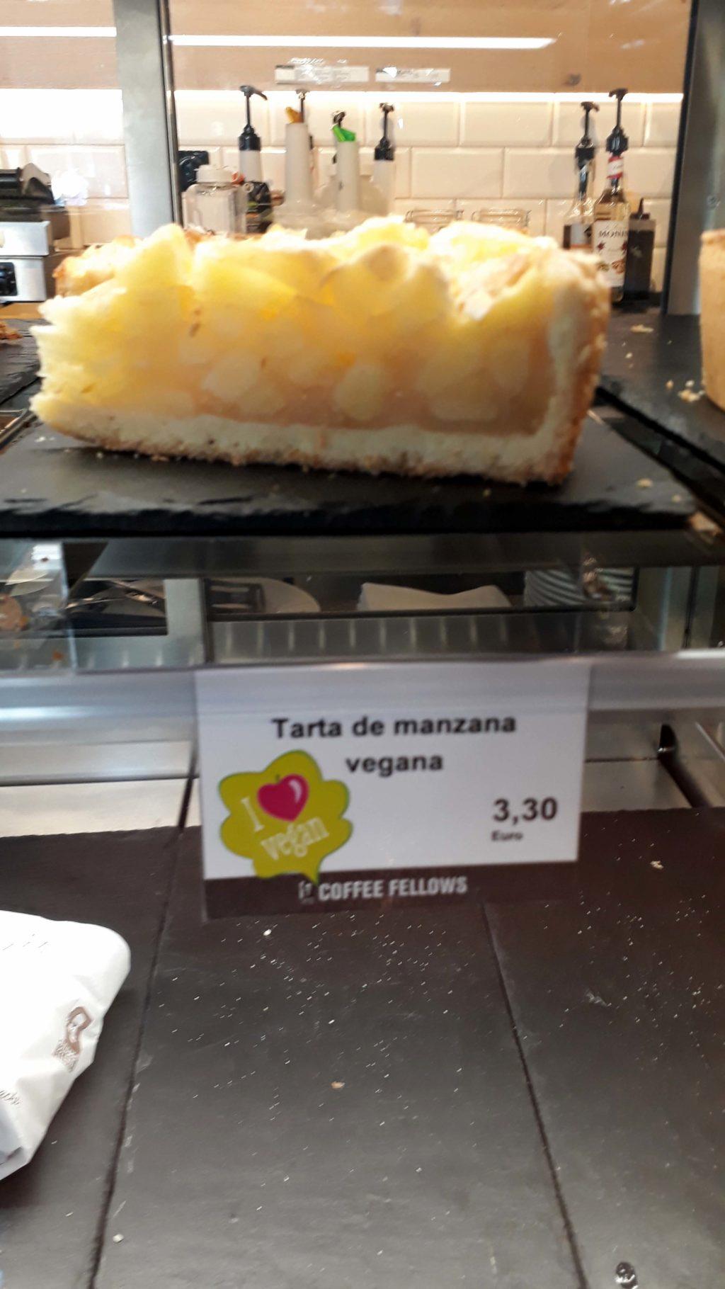 Veganer Apfelkuchen bei Coffee Fellows auf Mallorca