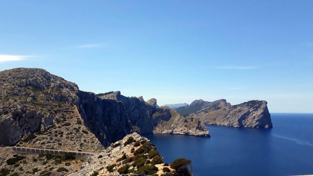 Klippen am Cap de Formentor auf Mallorca