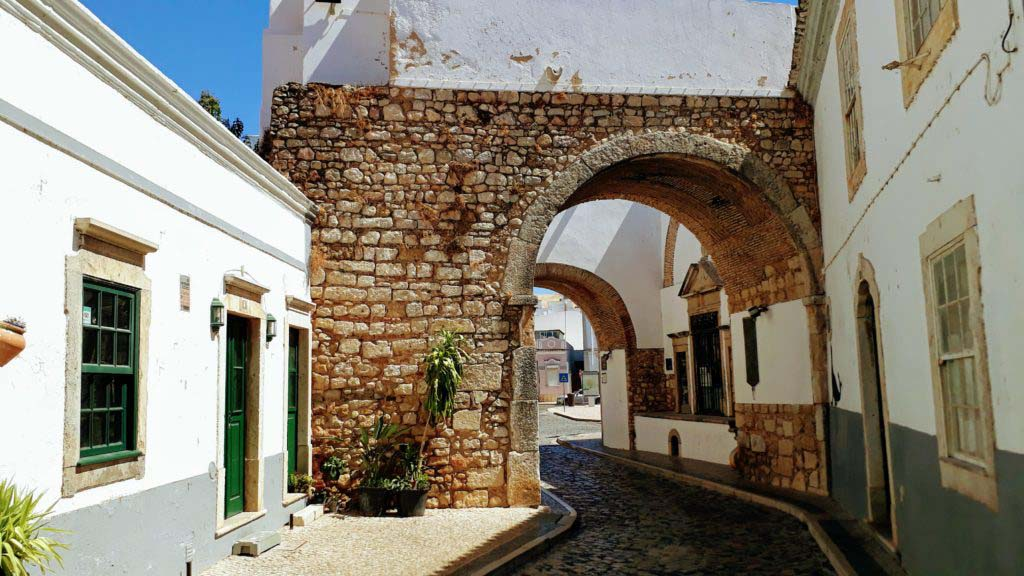 Faro: the gateway to the Algarve