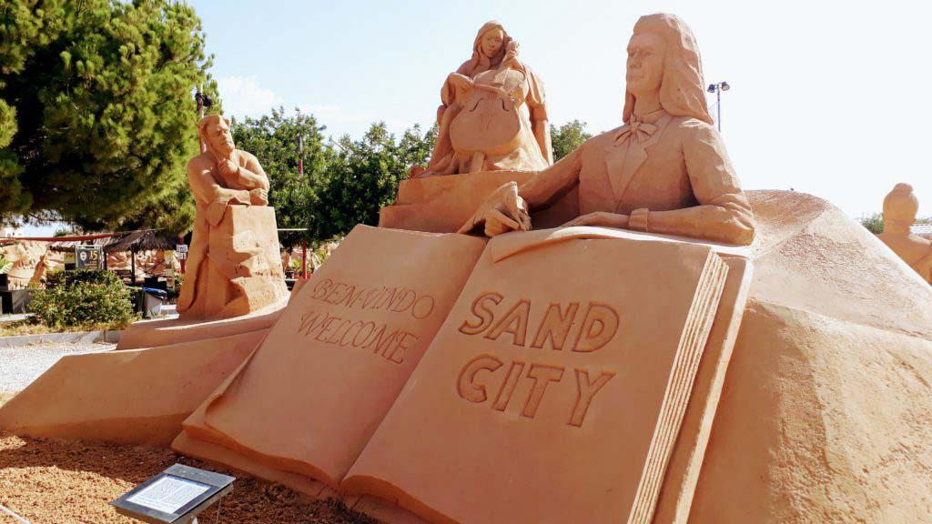 Sand City in Pêra
