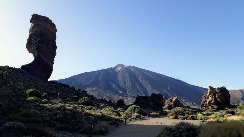 Roque Cinchado in front of the Teide