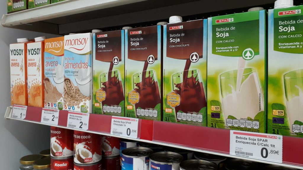 Vegan oat, almond and soy milk at Spar from Yosoy, monsoy (organic) and Spar's own brand