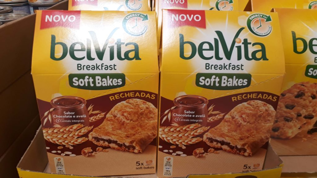 Breakfast biscuits with chocolate hazelnut filling from BelVita