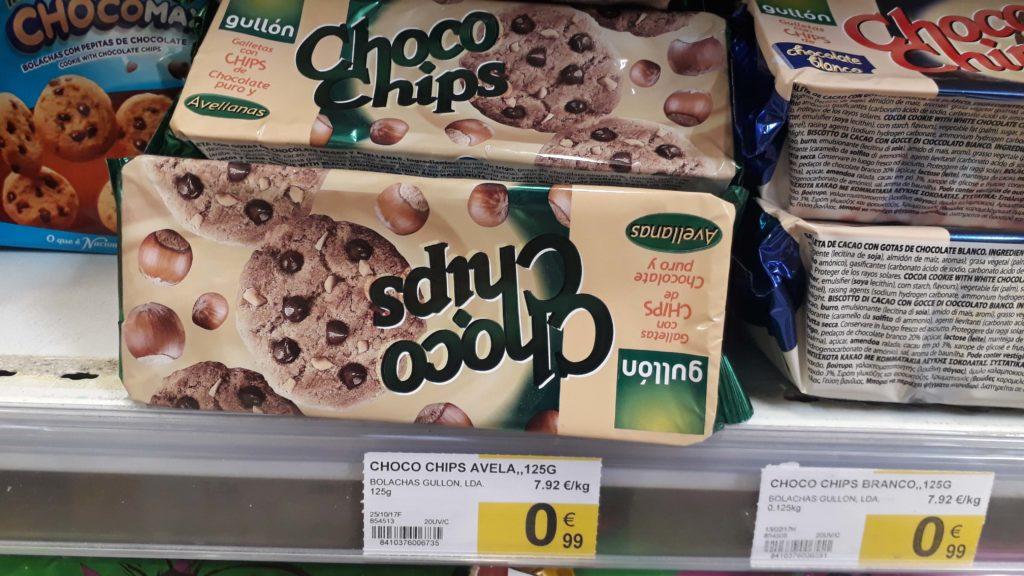Vegan choco chips cookies