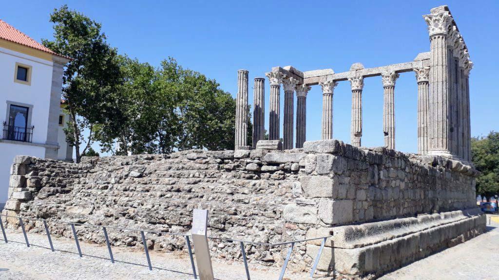 Temple of Évora
