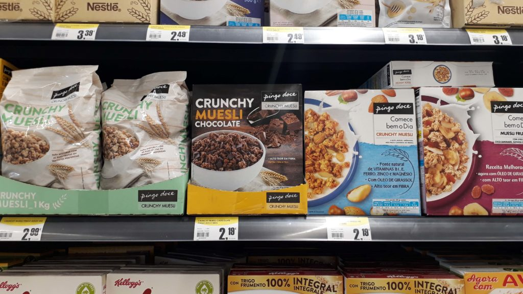 Vegan crunchy muesli