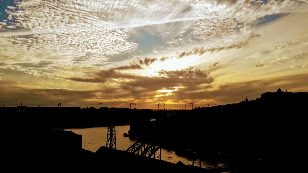 Puesta de sol sobre Oporto