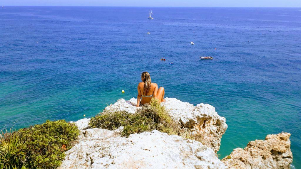 Con un poco de suerte, puedes pasar unas vacaciones en la playa en el Algarve incluso en invierno