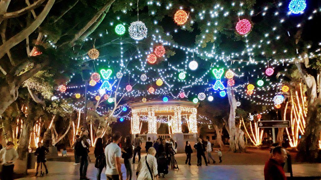 La capital de la isla: Santa Cruz de Tenerife
