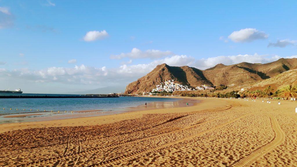 Playa de Las Teresitas cerca de San Andrés