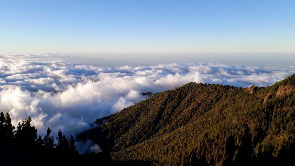Por encima de las nubes...