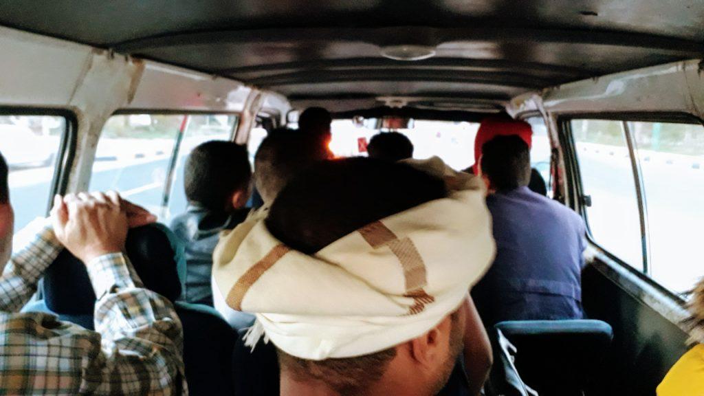 Así es como se ve en un microbús en Egipto