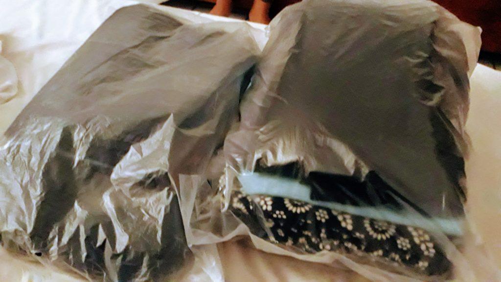 ...y así es como recuperas tu ropa: recién lavada y doblada