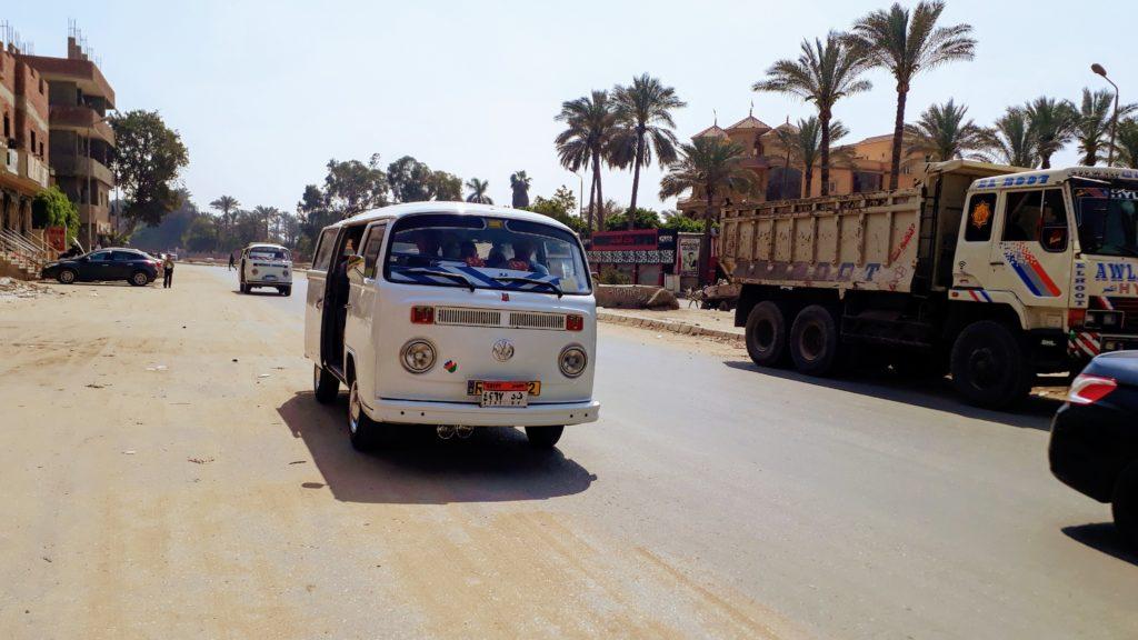 Microbus en Guiza