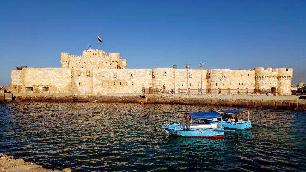 Ciudadela de Qaitbay en la costa mediterránea de Alejandría