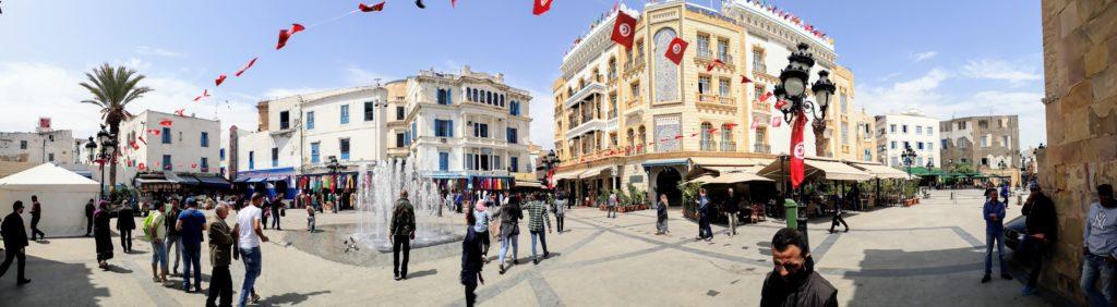 Panorama de la Place de la Victoire en Túnez