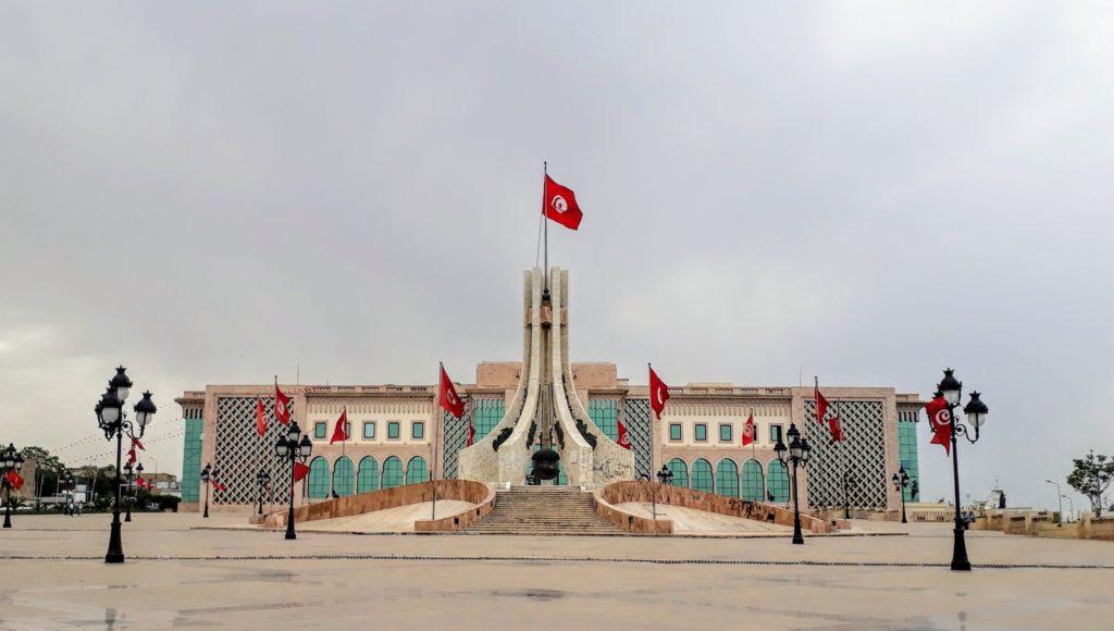Monumento Nacional de la República de Túnez en la Place du Gouvernement en Túnez