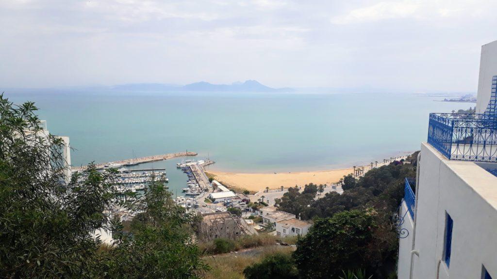 Vista desde Sidi Bou Saïd sobre el Mediterráneo
